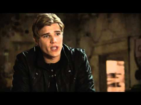Thomas Dekker The Secret Circle Bloopers  Chris Zylka