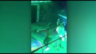 Жена застукала мужа в стрип-клубе. (Япония)