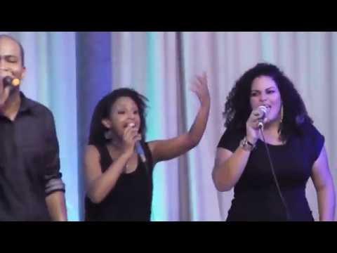 Igreja Cristã Abrigo-Soul + Família Sonora