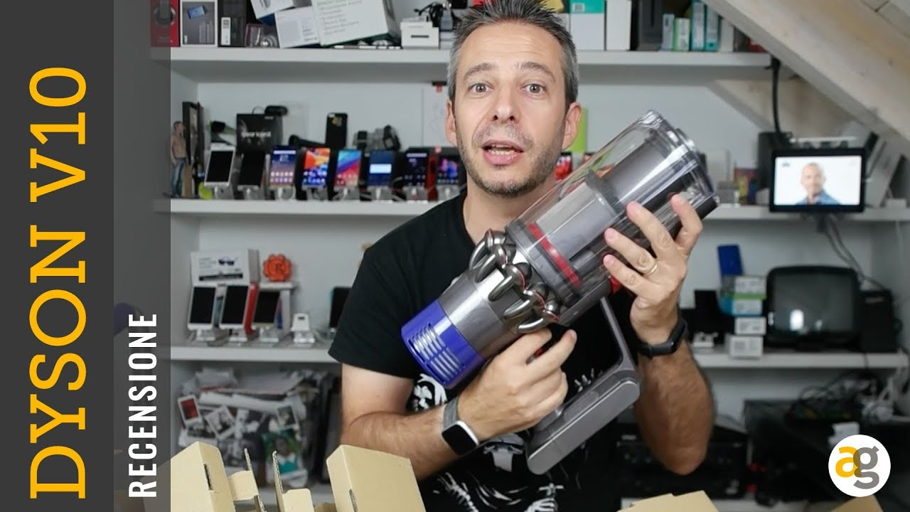 recensione dyson v10 ciclonico a batteria youtube. Black Bedroom Furniture Sets. Home Design Ideas