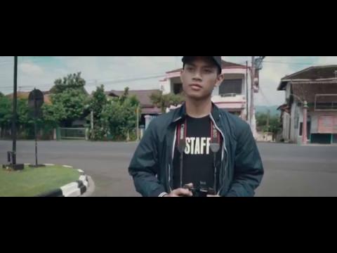Catatan Akhir Sekolah : Memoar di Ujung Senja (short movie) - SMA Taruna Nusantara