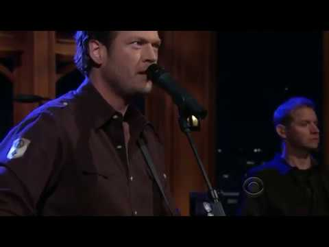 Blake Shelton - Who Are You When I'm Not Looking (09.29.2010)
