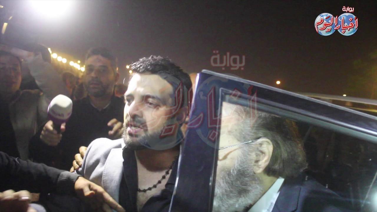 أخبار اليوم بكاء محمود ياسين في عزاء الساحر Youtube