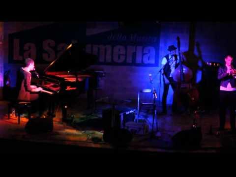 Marco Guazzone & STAG – Guasto (versione acustica) live @ La Salumeria Della Musica (MI)
