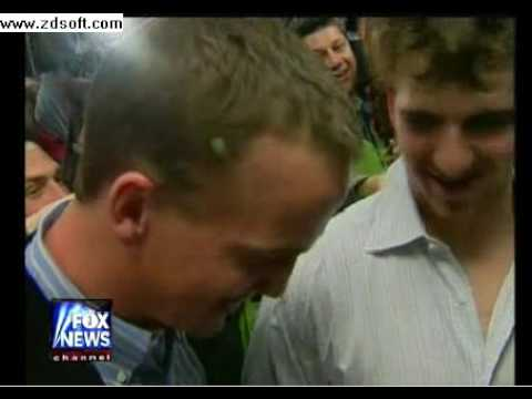 Peyton and Eli Manning first meeting after Superbowl 42