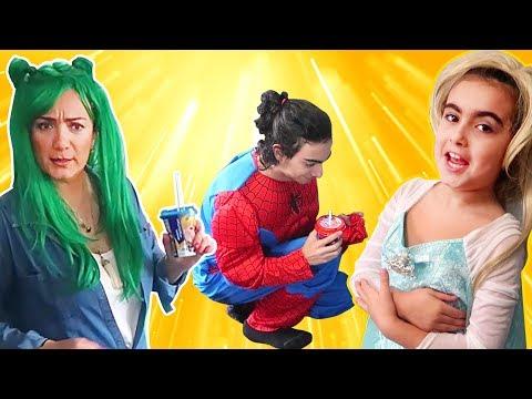 Mira ve Ege ile Komik Kostüm Partisi | Eğlenceli Parodi