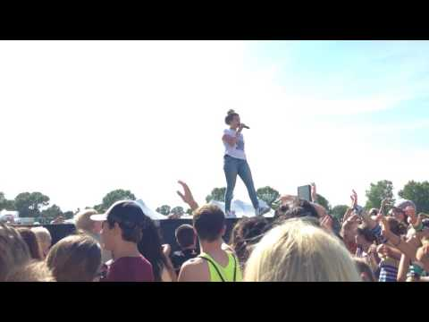 """Hollyn """"Nothing On You"""" Live Lifest 2016"""