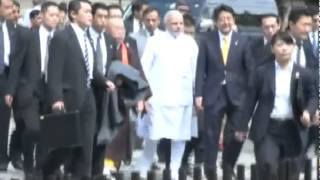 PM Modi arrives at Toji Temple with Japan PM Abe