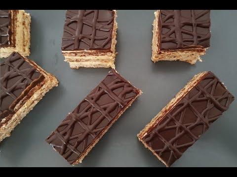 recette-du-gâteau-sans-gluten-à-la-crème-au-beurre-,-biscuit-noisette-et-ganache-chocolat-noir