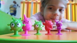 Challenge oyunu. Oyun parkında Mini Monsters topluyoruz
