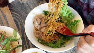 Ghiền Mì Gõ./ A Noodle Restaurant.