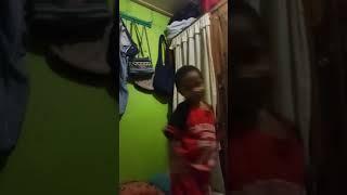 Anak yg lucu menyayi lagu ayah ku kirimkan doa