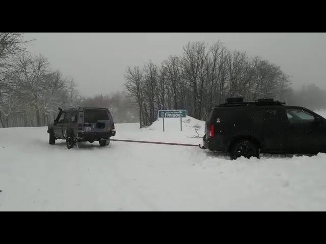 Rescate de un coche en el Alto do Comeal