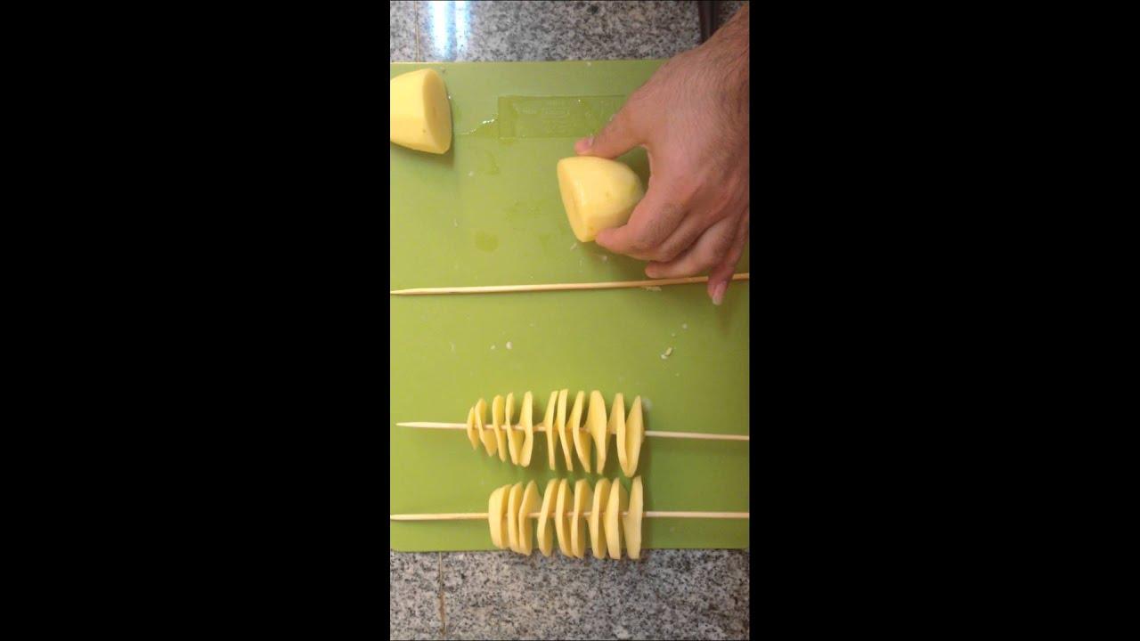 How to cut a spiral potato @ home   كيف يمكنك تحضير بطاطة حلزوني