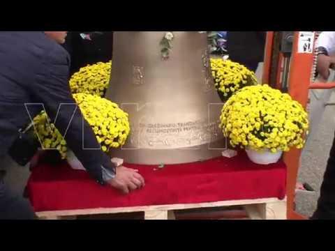 Sfintirea clopotului de la Biserica din satul Vaduri, comuna Iana