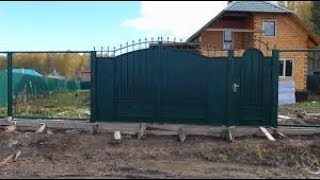 видео Установка металлических ворот.