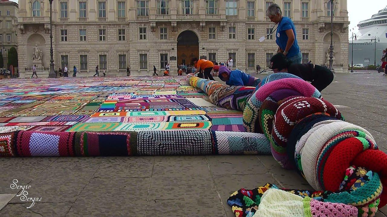 La coperta piu grande del mondo youtube for La villa piu grande del mondo