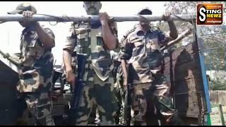 কেন্দ্রীয় বাহিনীকে দেখে দুর্গাপুরের মানুষ কি করছে, দেখুন