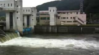 諏訪湖から天竜川へ(釜口水門)