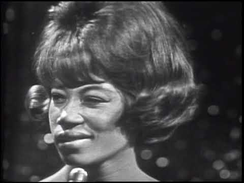 American Bandstand 1965- Interview Kim Weston