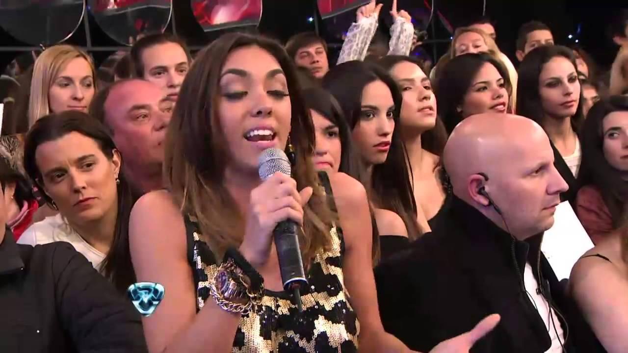 Showmatch 2012 - Silvina Escudero y Floppy Tesouro contra ...