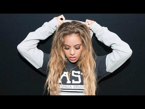 Dinah Jane | Sexiest Moments