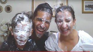 Live com torta na cara - Família Rocha na quarentena - brincadeiras - qual é a música - adivinhações