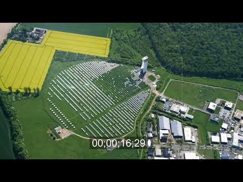 Versuchskraftwerk mit Solarturm in Jülich im Bundesland Nordrhein-Westfalen, Deutschland