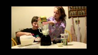 2 Kids Cooking Tv: Orange Cream Smoothies