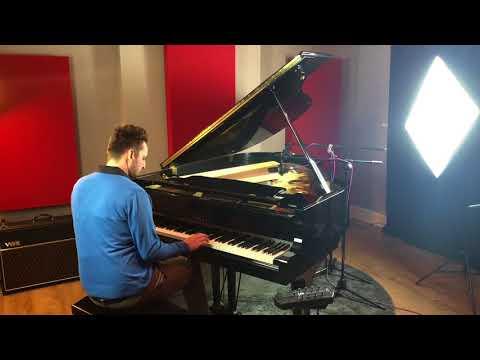 Yamaha C3 Grand Piano Demonstration