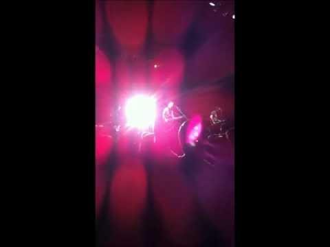 Los Bunkers - Nada nuevo bajo el sol (en vivo en Punta Arenas).wmv