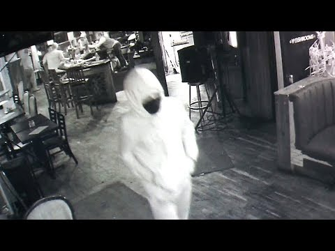 Dramatic video shows deadly shooting at Toronto bar