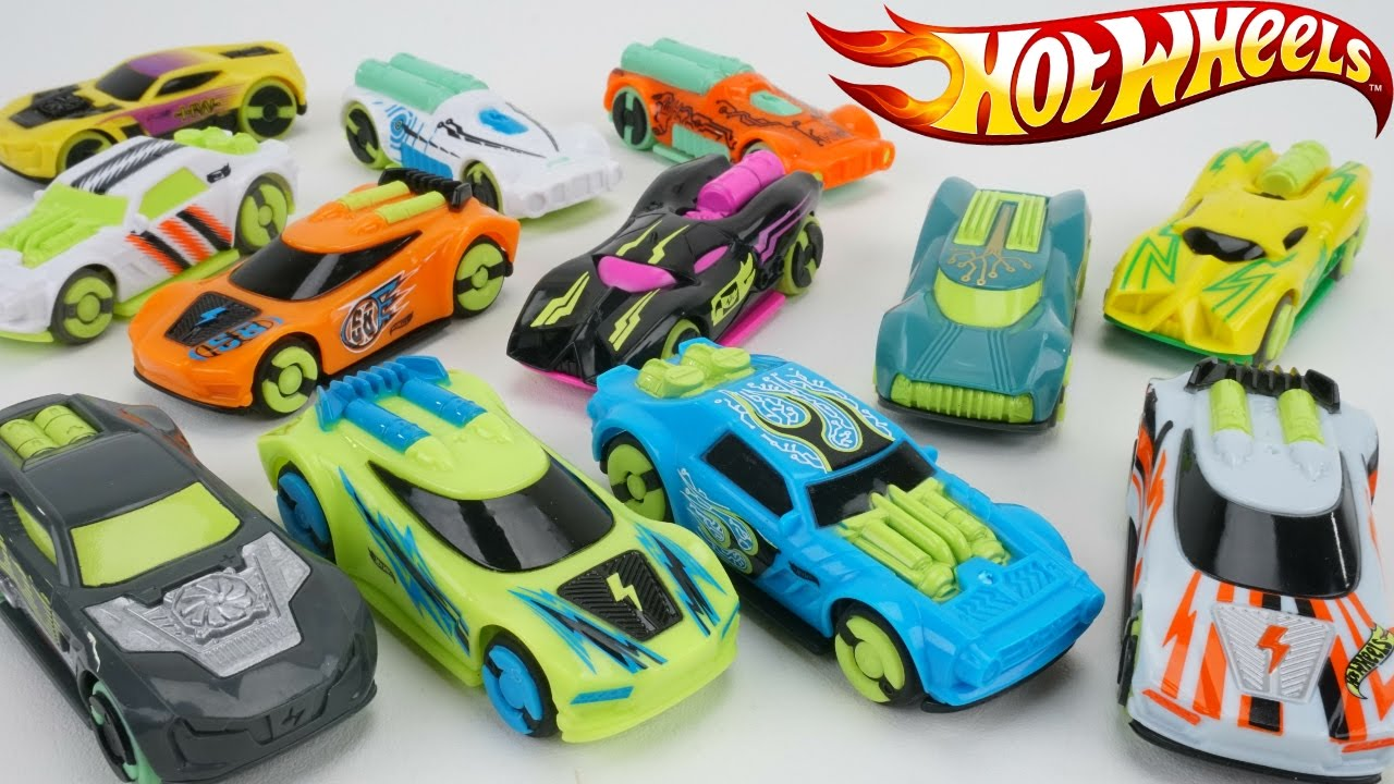 Hot Wheels Full Collection Sd Chargers Race Cars Electric Track 300 Mph