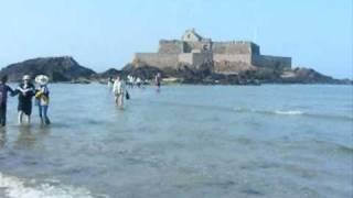 Quand les touristes se font piéger Par la marée montante