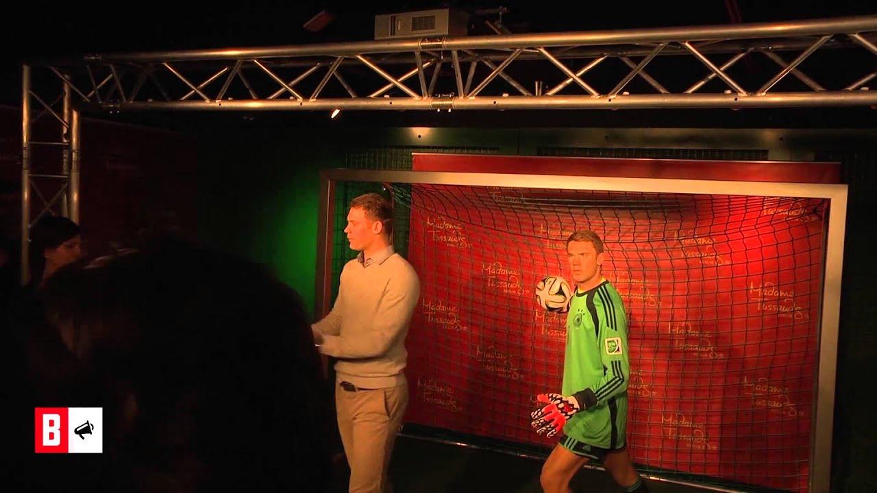 BUNTE TV - NewsFlash: Manuel Neuer - Auf Tuchfühlung mit dem WM-Helden!