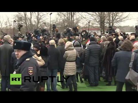 LIVE: Boris Nemtsov's funeral at Troekurovskoe cemetery