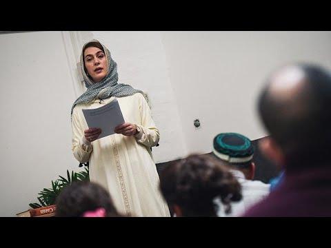 كهينة بهلول أول امرأة -إمام- فرنسية تتحدث ليورونيوز: لكل مسلم الحق في أن يكون له علاقة خاصة بدين…  - 18:58-2021 / 4 / 21