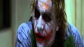 Batman il cavaliere oscuro L'interrogatorio a Joker