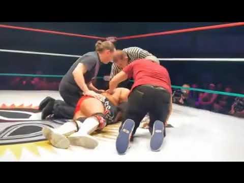 Super Martinez - Muere luchador en pleno combate y no lo ayudan a tiempo