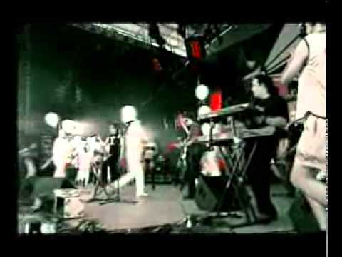 Би-2 с симфоническим оркестром - Достучаться до небес (Иnoмарки, 2004) скачать песню песню