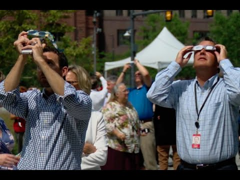 Downtown Clevelanders take in Solar Eclipse