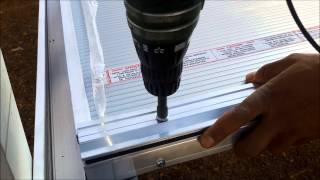 Como instalar uma Cobertura de Policarbonato sistema 5511 plano alveolar 10 mm viga calha