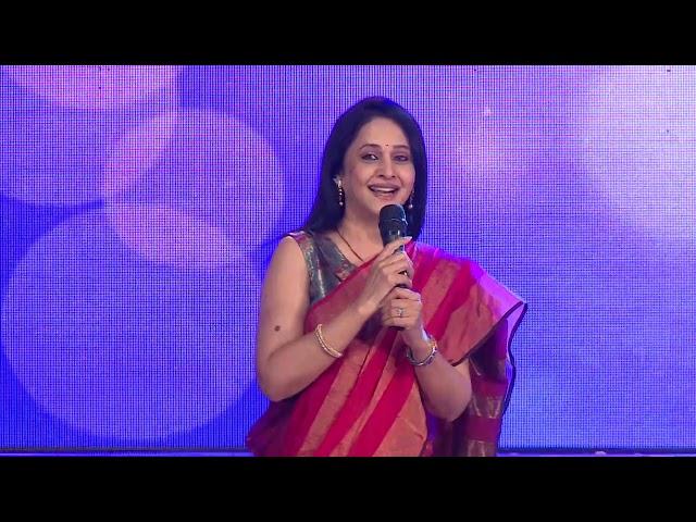 Well, known TV  and Film personality Mrs. Mrinal Kulkarni gr...