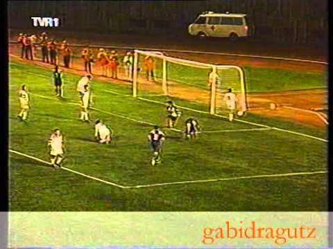 Dinamo - Craiova 2-2 1979-1980.avi - YouTube   Dinamo Craiova