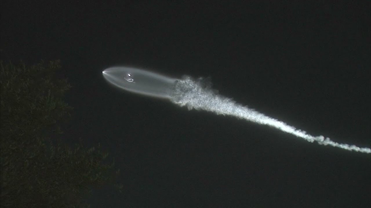 Many reports of strange light in skies over SoCal after SpaceX launches rocket