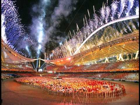 [EIKOU NO KAKEHASHI(by YUZU)]The 2004 Olympics theme song of NHK in Japan was sung at the Karaoke.