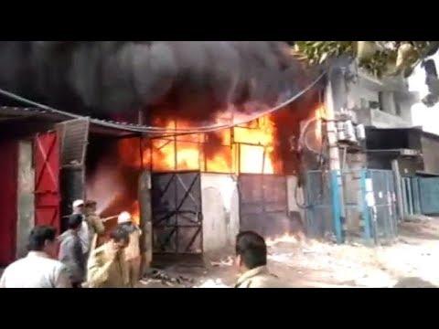 Delhi: Massive fire breaks out in shoe factory