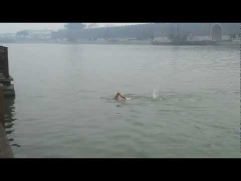 Swimming at Suzhou river