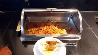 Завтраки в отеле  Long Beach Garden Hotel & SPA 4  в Паттайе