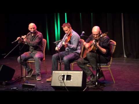 Peter Mulloy, Aiden Lavelle, Declan Askin Play For Our Plougastel Friends